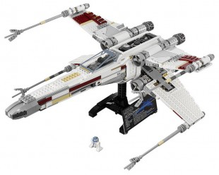 LEGO-10240-Star-Wars-Ultimate-Collectors-Series-Red-Five-X-Wing