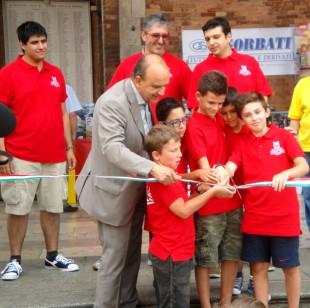 Il sindaco Paolo Dosi inaugura l'evento di Piacenza Bricks
