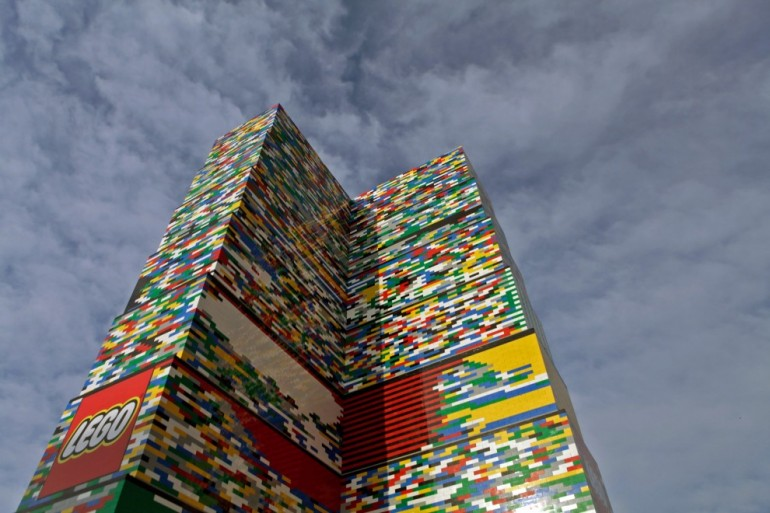 Torre-LEGO-Milano-1-990x660